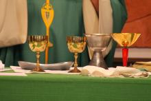 Picture of chalices during the consecration
